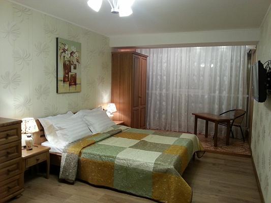 2-комнатная квартира посуточно в Алуште. ул. Перекопская , 4. Фото 1