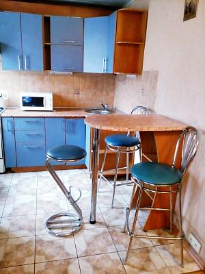 2-комнатная квартира посуточно в Запорожье. Орджоникидзевский район, пр-т Соборный, 143. Фото 1