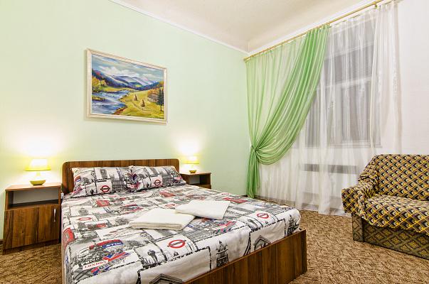 2-комнатная квартира посуточно в Львове. Галицкий район, пр-т Шевченко, 11. Фото 1
