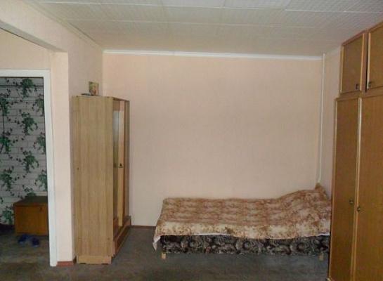 1-комнатная квартира посуточно в Керчи. ул. Свердлова, 37. Фото 1