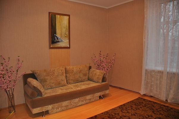 2-комнатная квартира посуточно в Полтаве. Октябрьский район, ул. Соборности, 32. Фото 1