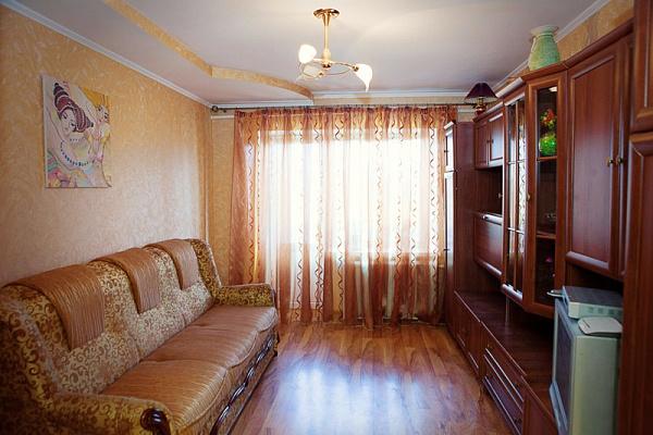 2-комнатная квартира посуточно в Ровно. пр-т Мира, 26. Фото 1