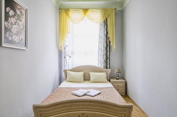 3-комнатная квартира посуточно в Львове. Галицкий район, ул. Леси Украинки, 18. Фото 1