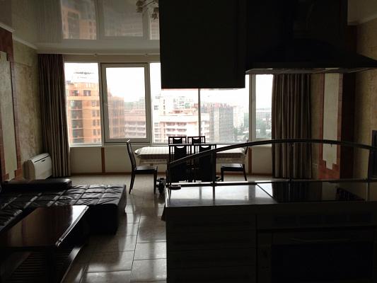 2-комнатная квартира посуточно в Одессе. Приморский район, Генуэзская, 5. Фото 1