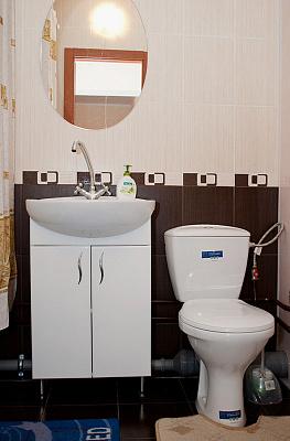 1-комнатная квартира посуточно в Киеве. Деснянский район, Цветаева, 3. Фото 1