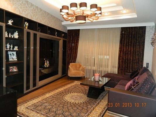1-комнатная квартира посуточно в Никополе. трубников, 12. Фото 1
