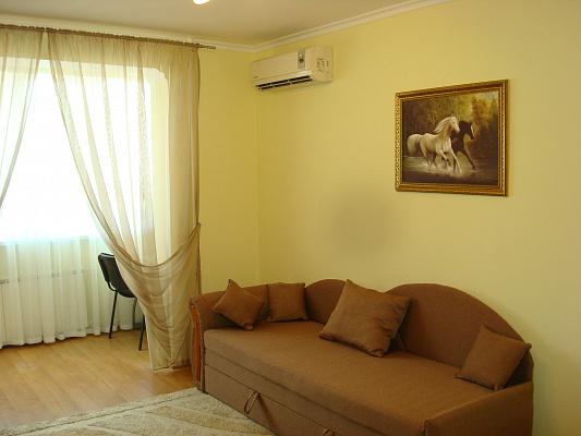 2-комнатная квартира посуточно в Одессе. Приморский район, пер. Клубничный, 31. Фото 1