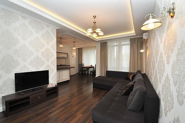 3-комнатная квартира посуточно в Одессе. Приморский район, б-р Французский, 54\23. Фото 1