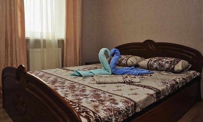 2-комнатная квартира посуточно в Киеве. Голосеевский район, ул. Феодосийская, 1а. Фото 1