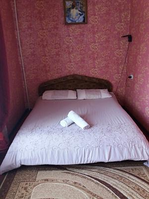 2-комнатная квартира посуточно в Луцке. ул. Гулак-Артемовского, 16. Фото 1