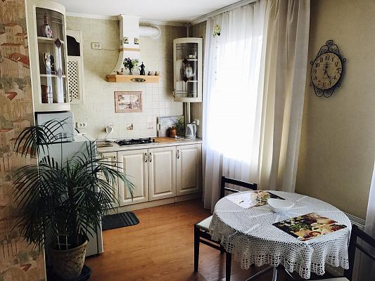 1-комнатная квартира посуточно в Виннице. Ленинский район, ул. Грушевского, 7. Фото 1