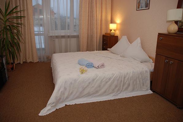 3-комнатная квартира посуточно в Тернополе. ул. Багатая, 9. Фото 1