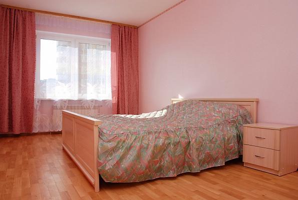 3-комнатная квартира посуточно в Киеве. Дарницкий район, ул. Елизаветы Чавдар, 4. Фото 1