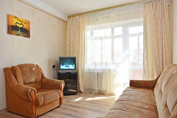 1-комнатная квартира посуточно в Киеве. Шевченковский район, ул. Данила Щербаковского, 53. Фото 1