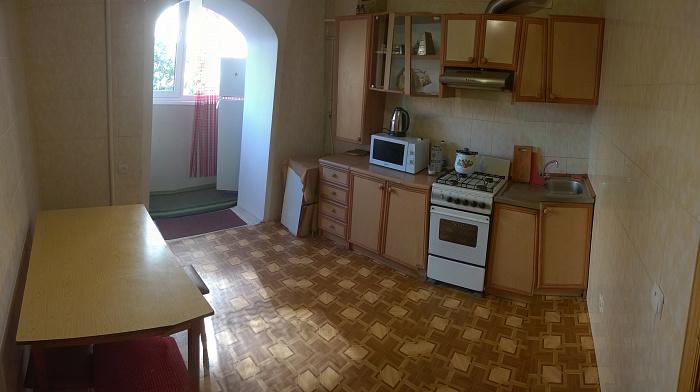 2-комнатная квартира посуточно в Виннице. Ленинский район, ул. Ляли Ратушной, 79. Фото 1