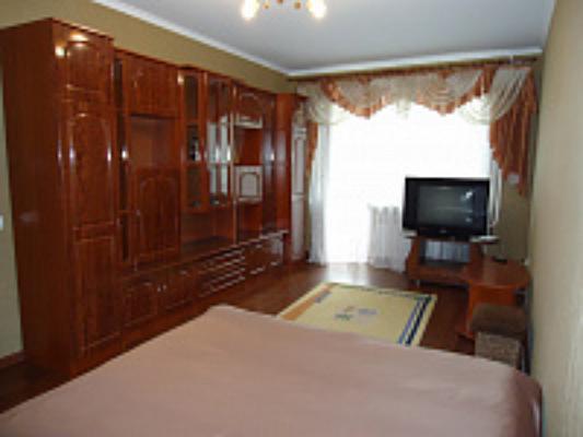 1-комнатная квартира посуточно в Луцке. ул. Конякина, 12-а. Фото 1