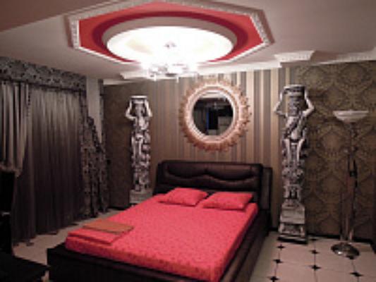 2-комнатная квартира посуточно в Симферополе. Железнодорожный район, б-р Ленина, 15. Фото 1