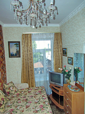 3-комнатная квартира посуточно в Гурзуфе. ул. 9 мая, 8. Фото 1