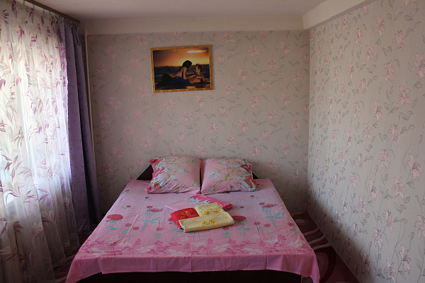 2-комнатная квартира посуточно в Киеве. Соломенский район, ул. Соломенская, 19. Фото 1
