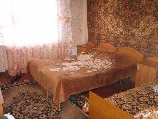 2-комнатная квартира посуточно в Железном Порту. ул. Морская, 3. Фото 1