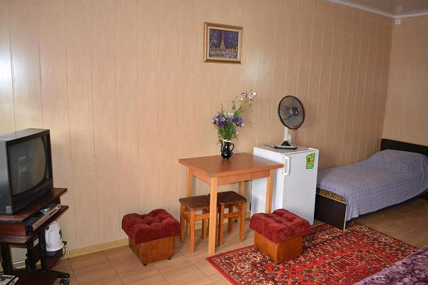 Дом  посуточно в Кирилловке. ул. Чапаева, 61. Фото 1