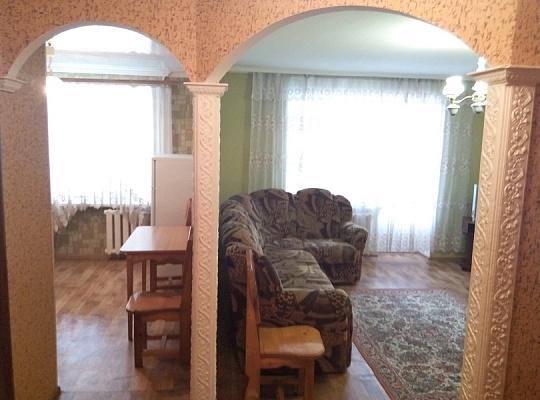 1-комнатная квартира посуточно в Каменце-Подольском. ул. Гагарина, 43. Фото 1