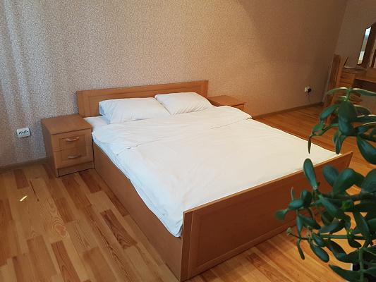 2-комнатная квартира посуточно в Ровно. ул. Степана Демьянчука, 1а. Фото 1