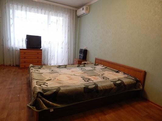 1-комнатная квартира посуточно в Запорожье. Коммунарский район, ул. Автозаводская, 16. Фото 1