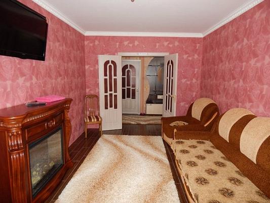 3-комнатная квартира посуточно в Новой Каховке. ул. Довженко, 19. Фото 1