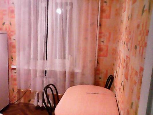 1-комнатная квартира посуточно в Краматорске. ул. 19 Партсъезда, 32. Фото 1