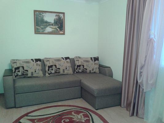 2-комнатная квартира посуточно в Алуште. ул. Хромых, 19. Фото 1