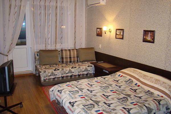 1-комнатная квартира посуточно в Кривом Роге. Дзержинский район, ул. Якира, 22. Фото 1