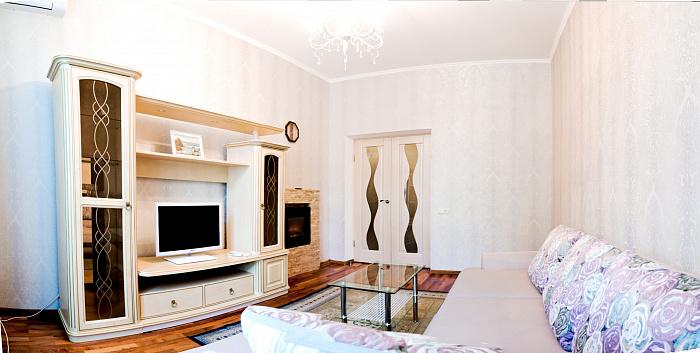 2-комнатная квартира посуточно в Одессе. Приморский район, ул. Екатерининская, 17. Фото 1