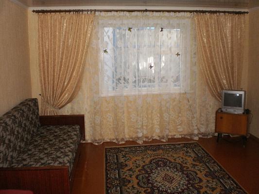 Дом  посуточно в Бердянске. Бакинская0. Фото 1