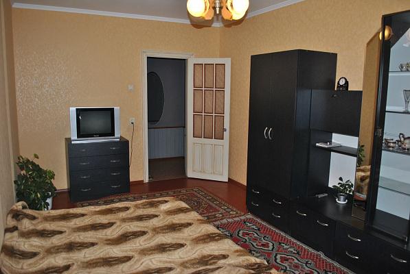 1-комнатная квартира посуточно в Житомире. Проспект Мира, 7. Фото 1