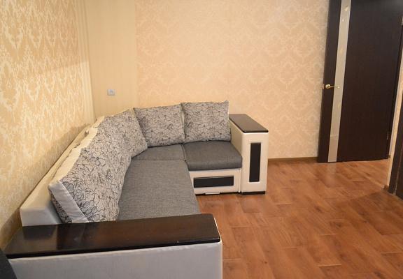1-комнатная квартира посуточно в Артемовске. ул. Полевая , 45. Фото 1