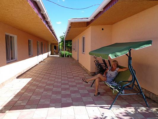 Мини-отель  посуточно в Евпатории. Уютная, 21. Фото 1
