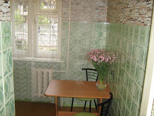 1-комнатная квартира посуточно в Севастополе. Гагаринский район, пр-т Героев Сталинграда, 26. Фото 1
