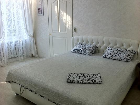 1-комнатная квартира посуточно в Одессе. Приморский район, ул. Дерибасовская угол Решильевской, 9. Фото 1