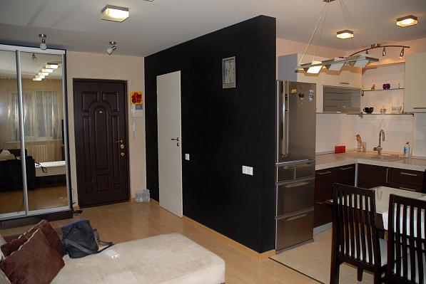 2-комнатная квартира посуточно в Мариуполе. Lenina str. , 105. Фото 1