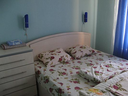 3-комнатная квартира посуточно в Кременчуге. ул. Троицкая, 40. Фото 1