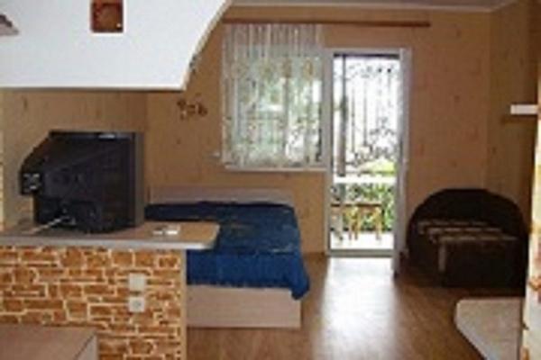 1-комнатная квартира посуточно в Алупке. ул. Калинина, 13. Фото 1