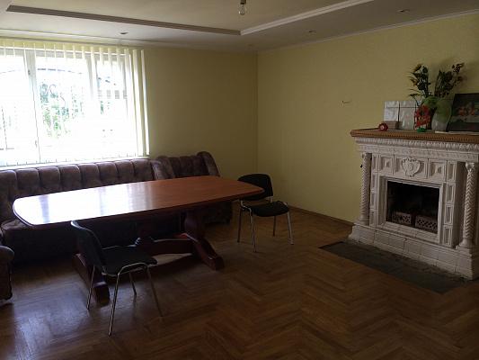 Дом  посуточно в Сходнице. ул. Грушевского, 29. Фото 1