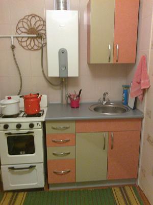 1-комнатная квартира посуточно в Шостке. ул. Прорезная, 13. Фото 1