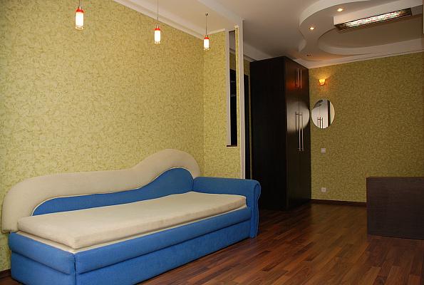 1-комнатная квартира посуточно в Киеве. Оболонский район, пр-т Оболонский, 16-В. Фото 1