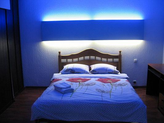 2-комнатная квартира посуточно в Харькове. пр-т Гагарина, 62. Фото 1