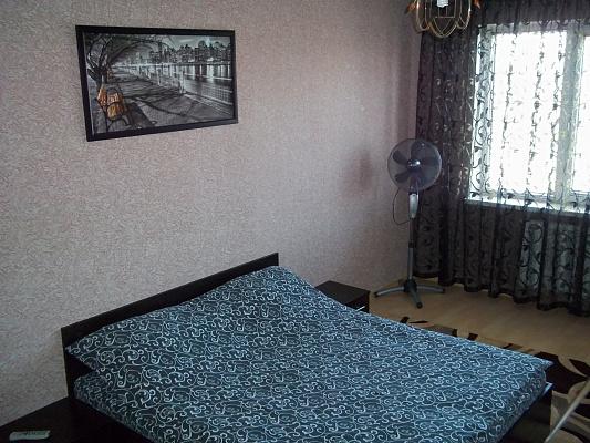 1-комнатная квартира посуточно в Ровно. ул. Мицкевича, 9-А. Фото 1
