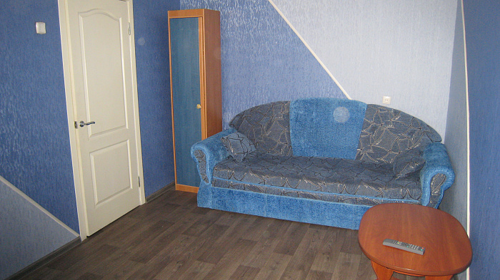 1-комнатная квартира посуточно в Запорожье. Жовтневый район, пр-т Соборный, 23. Фото 1