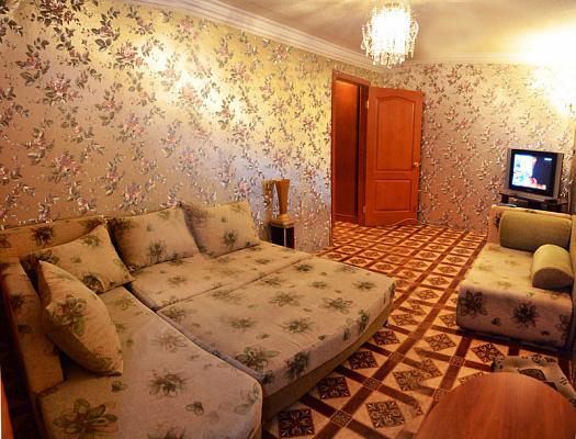 1-комнатная квартира посуточно в Донецке. Киевский район, ул. Щорса, 61. Фото 1