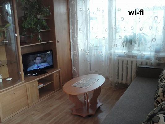 1-комнатная квартира посуточно в Чернигове. Деснянский район, шевченко, 51. Фото 1